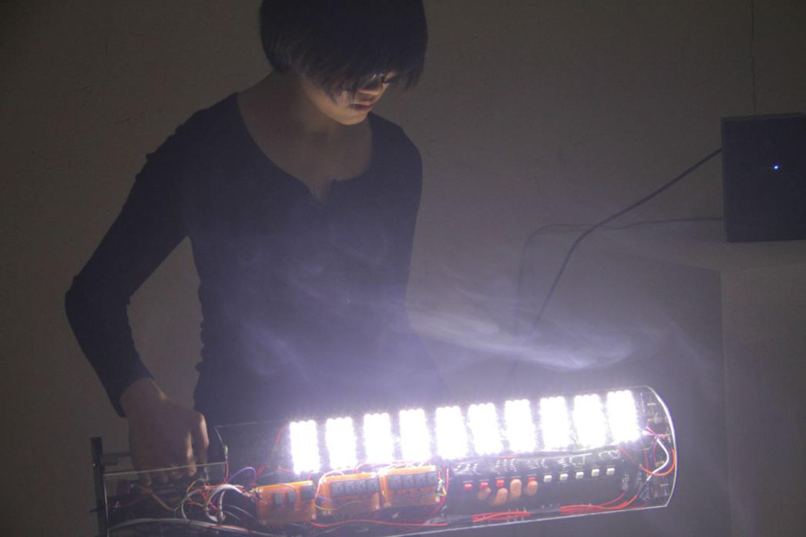 ©2013, Yen Tzu Chang, Self-Luminous 2