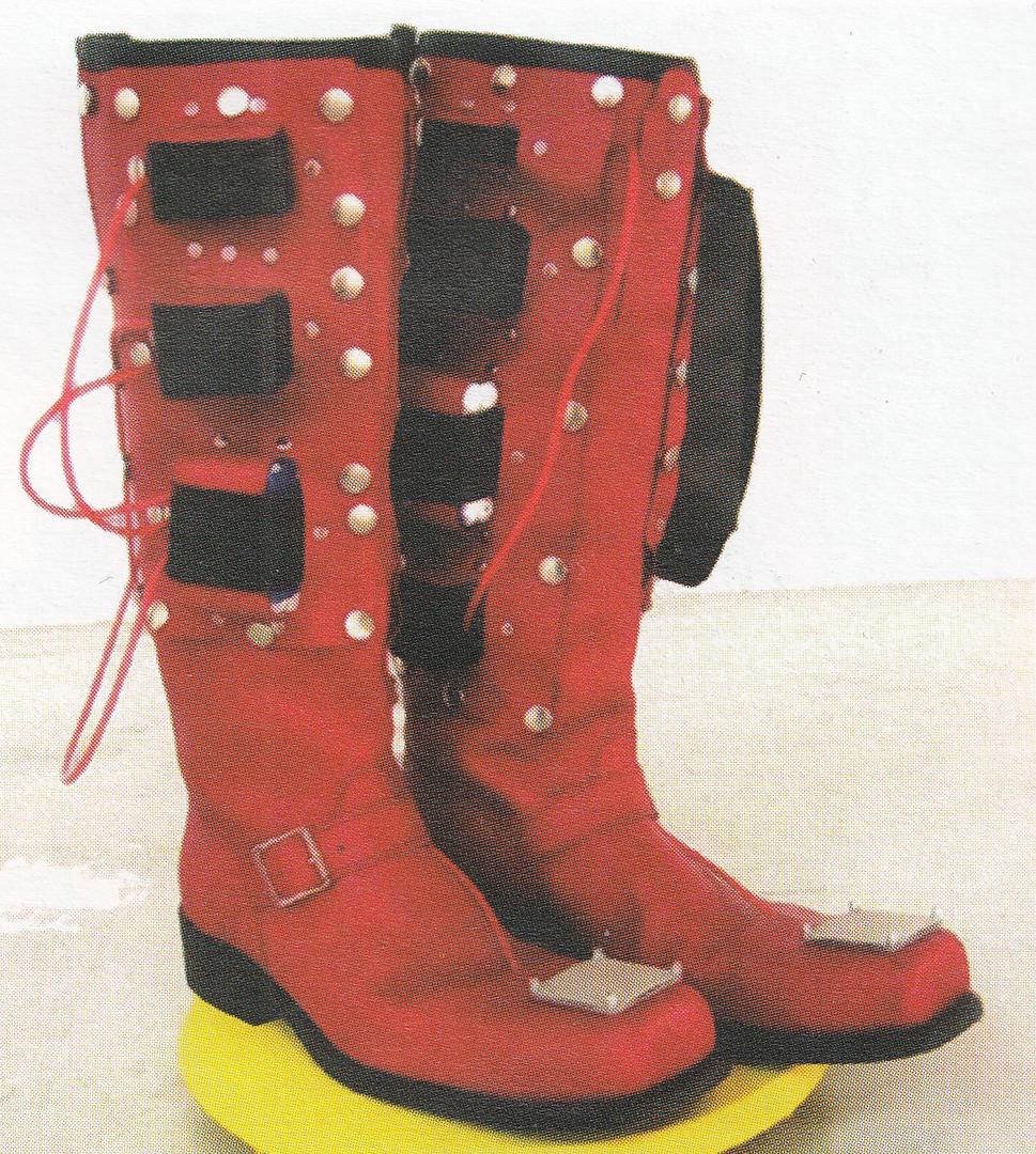 ©, Laura Beloff, Erich Berger, and Martin Pichlmair, Seven Mile Boots