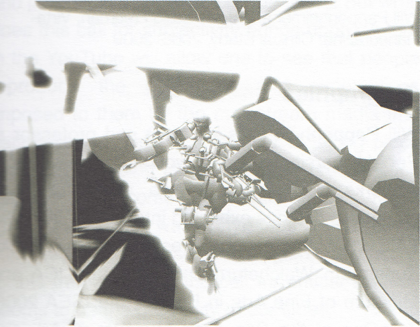 ©, Max Moswitzer, Whitenoise Morphosis: Semiautonomous Puppet Architectonics