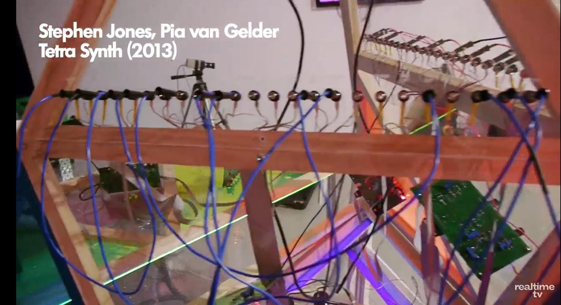 ©, Stephen Jones and Pia van Gelder, Tetra Synth